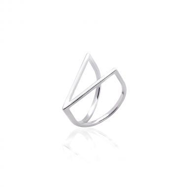 Серебряное кольцо (3880)