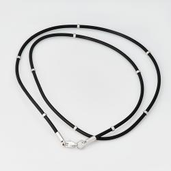 Шнурок каучуковый с серебряными вставками (8010)