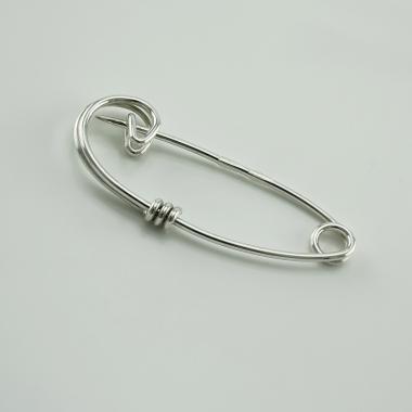 Серебряная булавка (9502)